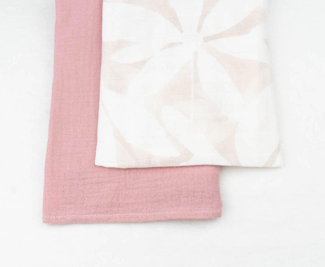Musselintuch 2er Set mit weißen Blumen und altrosa
